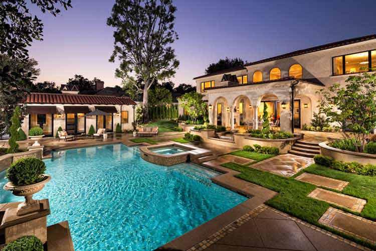 denah rumah dengan kolam renang minimalis