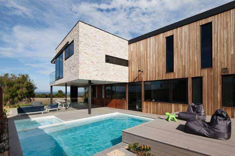 denah rumah plus kolam renang