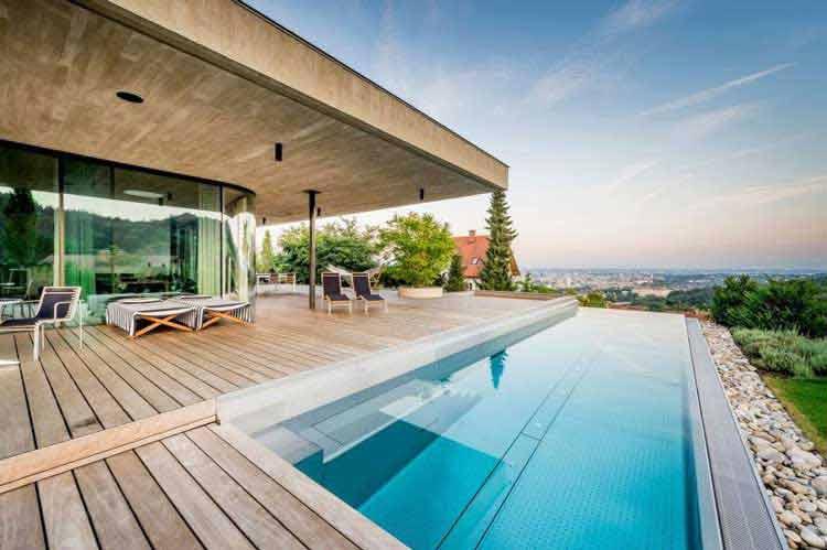 desain rumah kolam renang indoor