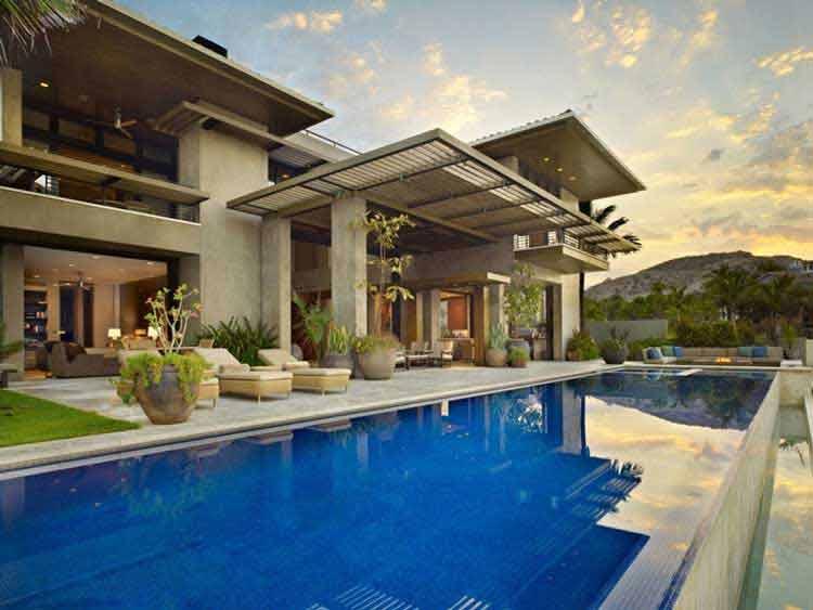 desain rumah 12x20 dengan kolam renang